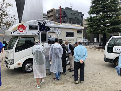 9_北斎祭り_キャンピングカー展示